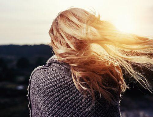 Jak zachować zdrowe i piękne włosy?